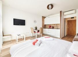 Studio apartman Lena, luxury hotel in Umag