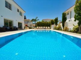 Blue Sea Villa, cottage in Protaras