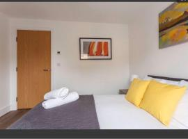2 Bedroom Apartment Chapel Riverside at Goshen Property Serviced Accommodation Southampton, Free WiFi & Parking, apartment in Southampton