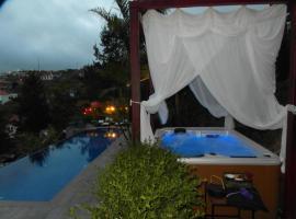 Dazk Golden Estate, self-catering accommodation in Ribeira Brava