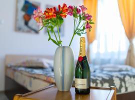 Copou Holding Apartments, hotel in Iaşi