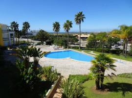 One Bedroom Apartment with Stunning Views, hotel cerca de Playa de Alvor, Alvor