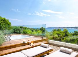 Somewhere Vouliagmeni, hotel with pools in Athens