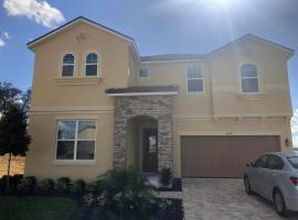9br, 7ba, 12 min to Disney, Corner House, Great Privacy, Game Room, Swimming Pool, hotel with jacuzzis in Kissimmee