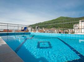 Hotel Twelve by Aycon, hotel u Budvi