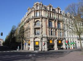 Les Cariatides, hotel near Braderie Lille, Lille