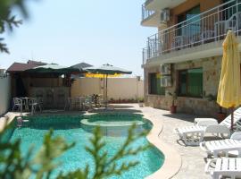 Family Hotel Primo, отель в Приморско