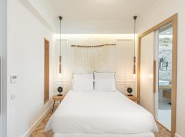 Chandakos 8 Design Apts, hotel near Heraklion Venetian Harbour, Heraklio Town