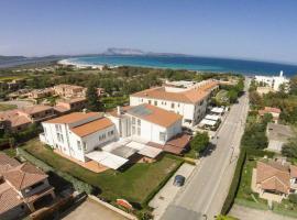 Hotel Al Faro, hotel a San Teodoro