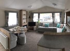 Branberry - Acorn caravan holidays Newquay, villa in Newquay