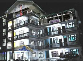 HOTEL PARK PALACE, family hotel in Lachung