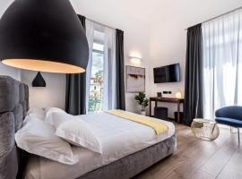 La Spezia by The First - Luxury Rooms & Suites, B&B in La Spezia