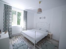 Reveria Apartment, hotel in Hunedoara