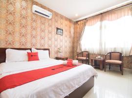 RedDoorz Plus near Nga Tu Binh Phuoc, hotel in Ho Chi Minh City
