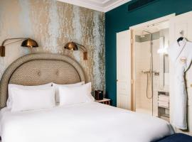 Grand Pigalle Hotel, hotel near Lamarck-Caulaincourt Metro Station, Paris