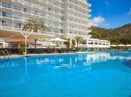 Universal Hotel Castell Royal, beach hotel in Canyamel