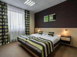 BNC Hotel - Restaurant - Bowling, hotel poblíž Mezinárodní letiště M. R. Štefánika – Bratislava - BTS, Bratislava
