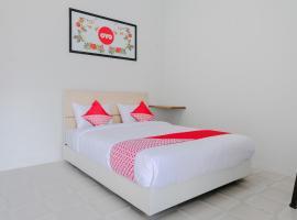 OYO 973 Turukene, hotel in Batu