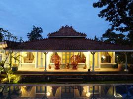 Rimba Desa Resort Inn, Jepara, hotel with pools in Jepara