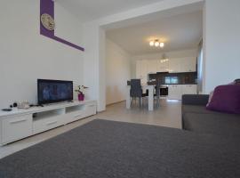 House Mia, hotel in Starigrad-Paklenica