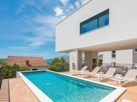 Villa Marulovo Hills, hotel with jacuzzis in Trogir