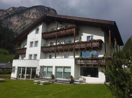 Garnì Villa Erna, hotel in Selva di Val Gardena