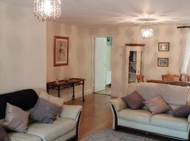 Comfy Quiet Town House, hotel near Cavanacor House & Gallery, Strabane
