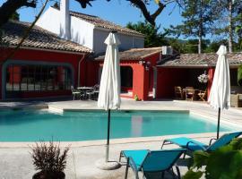 Le mas de la diligence, family hotel in Mirabeau