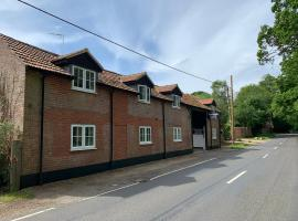 Fornham Guest House, hotel near Botleys Mansion, Chertsey