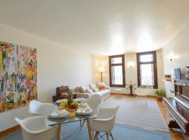 Dio Downtown Boutique Apartment, hotel with jacuzzis in Heraklio Town
