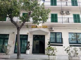 Hotel 2 Mari, hotel in Vieste