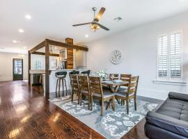 Modern, Spacious Townhouse with Luxury Amenities, villa in New Orleans