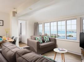 Oystercatcher Apartments, apartment in Polzeath