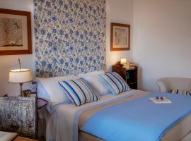 Le Stanze di Ilse, hotel with pools in Naples