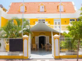 Academy Hotel Curacao, hotel in Willemstad