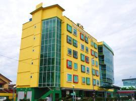 Pine Garden Hotel, hotel in Kuching