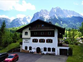 Ferienhaus Waldwinkl, guest house in Grainau