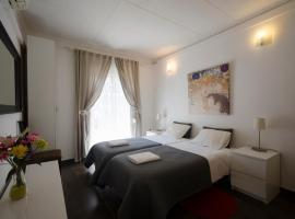 Apartment Amposta, hotel in Barcelona