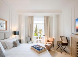 Residenza B, hotel v blízkosti zaujímavosti Stanica metra Barberini Fontana di Trevi (Rím)