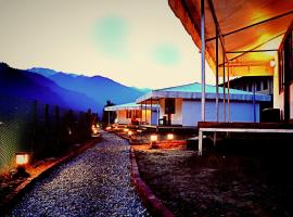 Soli Tree Luxury Camps, luxury tent in Manāli