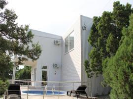 Villa Aurora, holiday home in Kabardinka