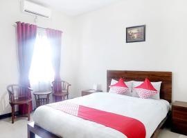 OYO 627 Tirta Kencana Syariah, hotel in Pekanbaru