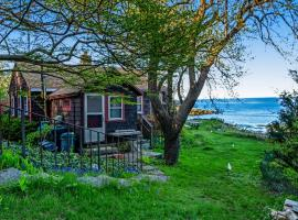 Rustic Rockport Cottage, holiday home in Rockport