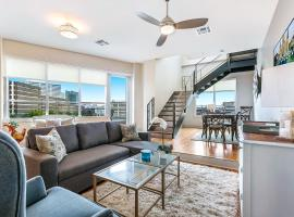 Modern Condos Close to City Attractions, vacation rental in New Orleans