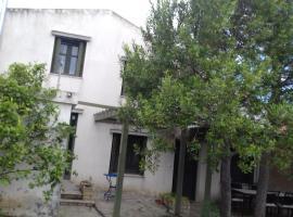 GET AWAY COUNTRY HOUSE, hotel near Ancient Theater of Epidaurus, Ligourio