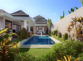 Beachfront Estate Sanur - Sixteen Kejora, country house in Sanur
