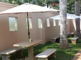 Rosegarden Guesthouse, hotel with parking in Pongola