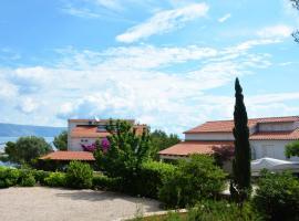 Bay House Rosohotnica, hotel in Vrboska