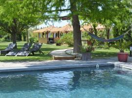 Lavand'Ange et SPA, hotel with jacuzzis in Sarrians