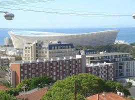 Cascades Suites, hotel in Green Point, Cape Town